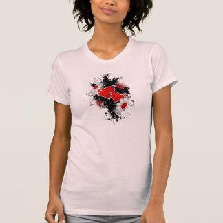 corações vermelhos com flores camisetas