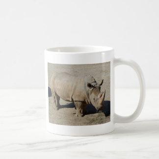 Corpo do cheio do rinoceronte do rinoceronte caneca de café
