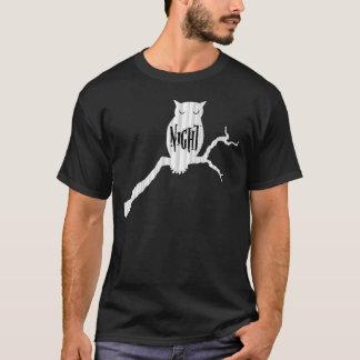 Coruja de noite tshirt