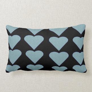 Coxim azul do travesseiro do tema dos corações do