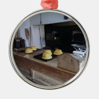 Cozinha de Edwardian em Erddig Salão Ornamento Redondo Cor Prata