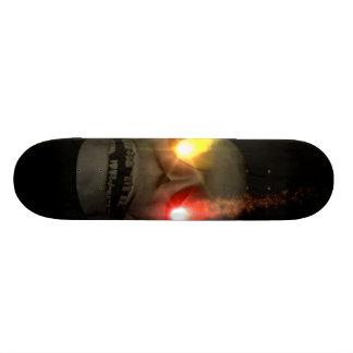 Cr�ne aos olhos fluorescentes - shape de skate 18,7cm
