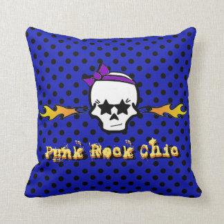 Crânio azul do punk rock & preto chique de Girlie Almofada