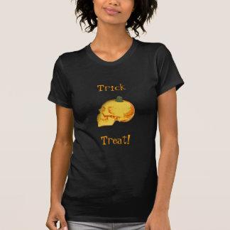 Crânio e abóbora do Dia das Bruxas T-shirts