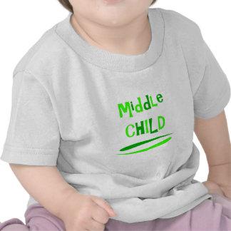Criança média t-shirts