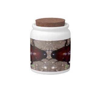 Culinária selvagem da guloseima - ciência insetos potes de doces