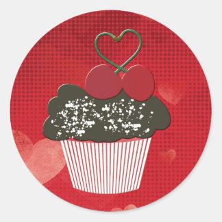 Cupcake bonito com etiqueta do coração