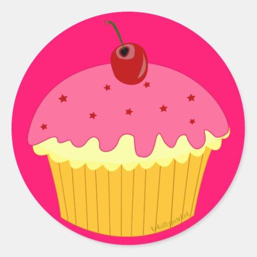 Cupcake cor-de-rosa adesivo em formato redondo