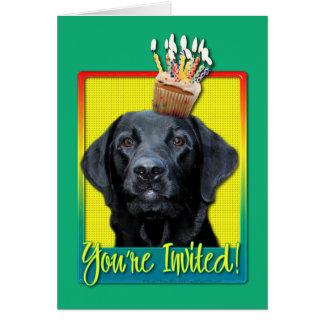 Cupcake do convite - Labrador - preto - calibre