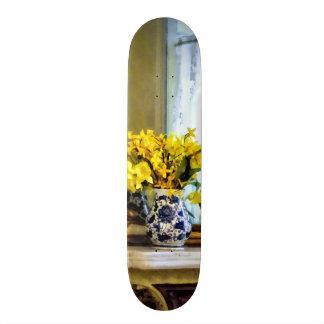 Daffodils na cornija de lareira shape de skate 21,6cm