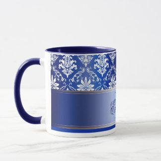 Damasco azul e branco do monograma caneca