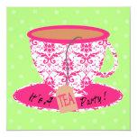 Damasco cor-de-rosa com aniversário do tea party convite quadrado 13.35 x 13.35cm