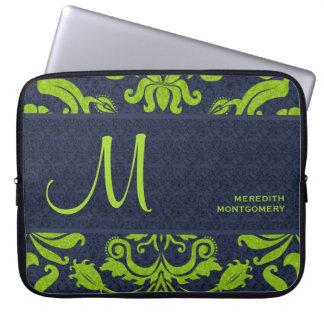 Damasco de Swirly nos azuis marinhos e verde-claro Capa Para Laptop