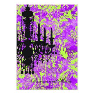 Damasco violeta quente do candelabro do GC | Jolie Convites