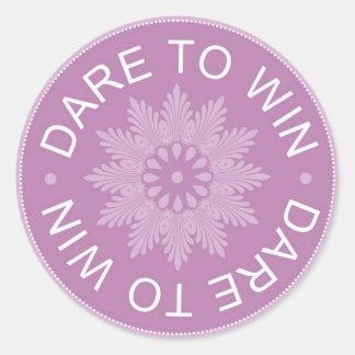 ~Dare inspirador de 3 citações da palavra a Win~ Adesivos Redondos