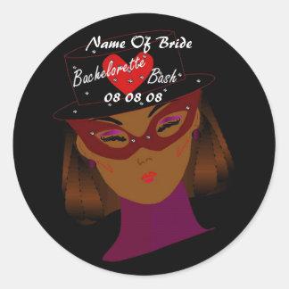 """De """"etiqueta da festança Bachelorette"""" - customizá Adesivos Redondos"""