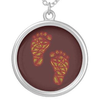 Dedos do pé tribais colar banhado a prata