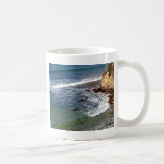 Deixar de funcionar das ondas de oceano caneca de café