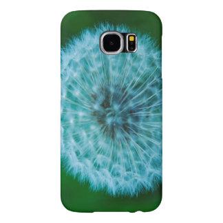 Dente-de-leão na capa de telefone azul