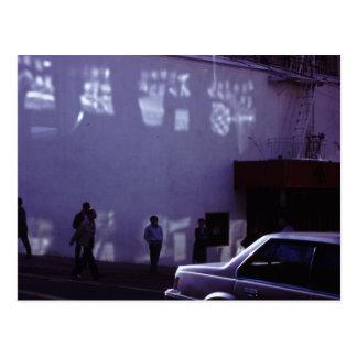 Desconhecido no cartão da foto do filme de rua cartão postal
