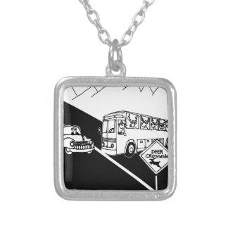 Desenhos animados 3251 do ônibus colar banhado a prata