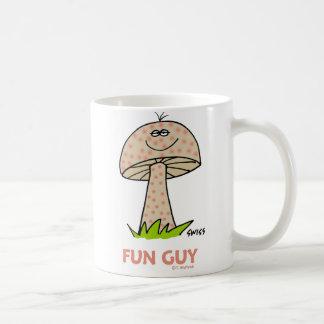Desenhos animados patetas bonitos do cogumelo da caneca de café