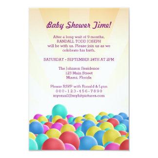 Design de cartão criativo do convite dos balões