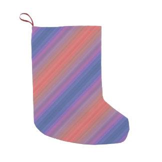 Design diagonal roxo e azul alaranjado das listras meia de natal pequena