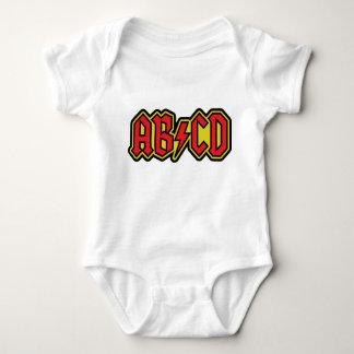 Design do t-shirt de ABCD