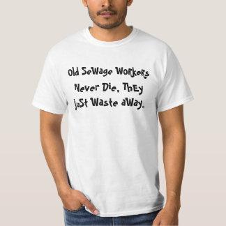 desperdício dos trabalhadores da água de esgoto t-shirts