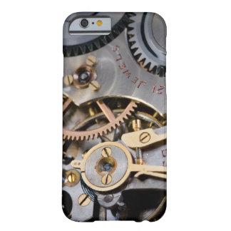 Detalhe de um relógio de bolso capa barely there para iPhone 6