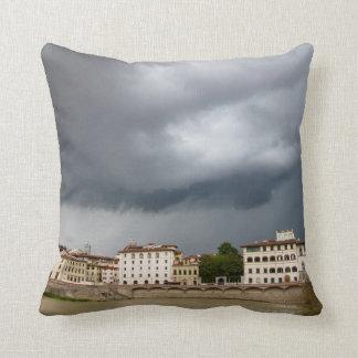 Dia tormentoso em Florença Italia Travesseiros