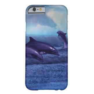 Divertimento e jogo dos golfinhos capa barely there para iPhone 6