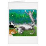 Divertimento felino com cartão dos vaga-lume