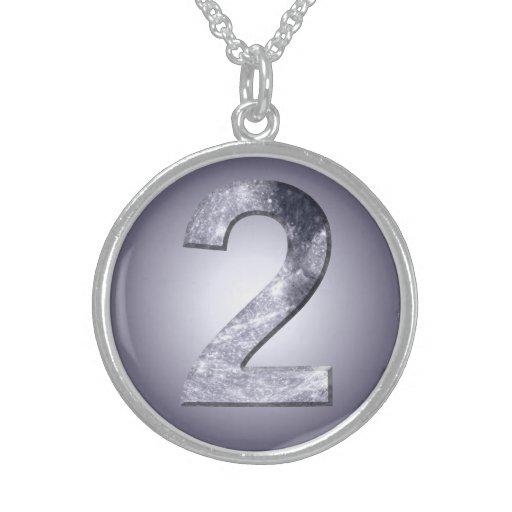 Dois afortunados símbolo lunar colares de prata esterlina