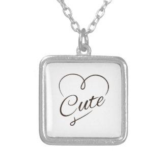 Doodle bonito do coração colar com pendente quadrado