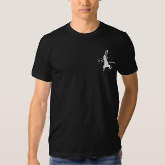 Dos homens Hoppy dos feriados do coelho do inverno T-shirts
