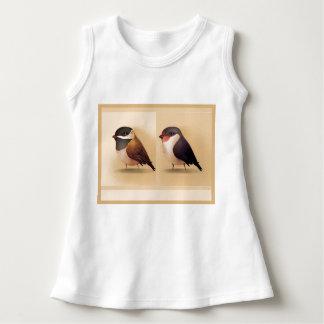 Dos pássaros sem mangas do vestido do bebê casal