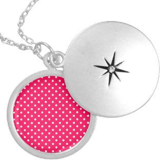 Dos pontos rosa branco sobre profundamente - colar medalhão