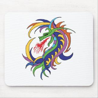 Dragão e fogo mouse pads