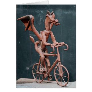 Dragão em uma bicicleta cartão comemorativo