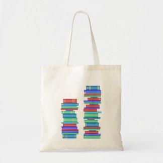 Duas pilhas de saco da biblioteca dos livros bolsa tote