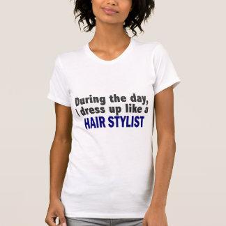 Durante o dia eu visto-me acima como um t-shirts