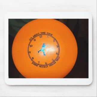 É sobre a imagem do disco da excursão do tempo mouse pad