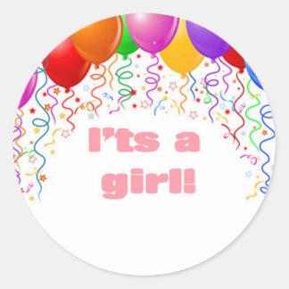 É uma menina!  Anúncio do bebê Adesivo Redondo