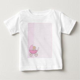 É uma menina t-shirts