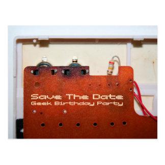 Economias do geek cartão do aniversário da data o cartão postal