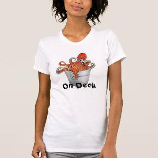 Em camisetas engraçadas do polvo da plataforma