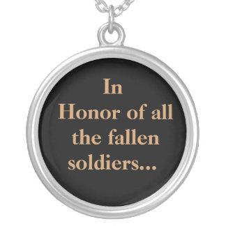 Em honra de TODOS OS soldados caídos Colar Banhado A Prata