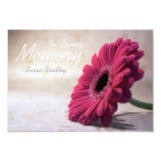 Em memória Loving - cerimonia comemorativa floral Convite 8.89 X 12.7cm